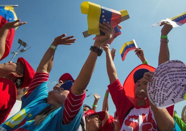 Manifestação de apoio a Maduro.