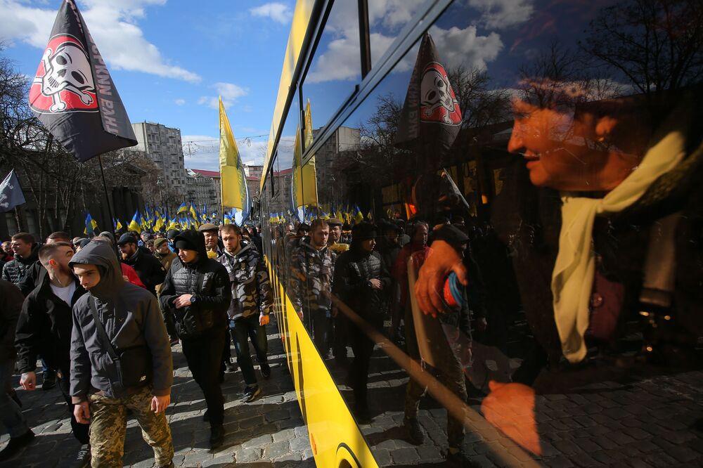 Manifestantes protestam contra a corrupção em Kiev