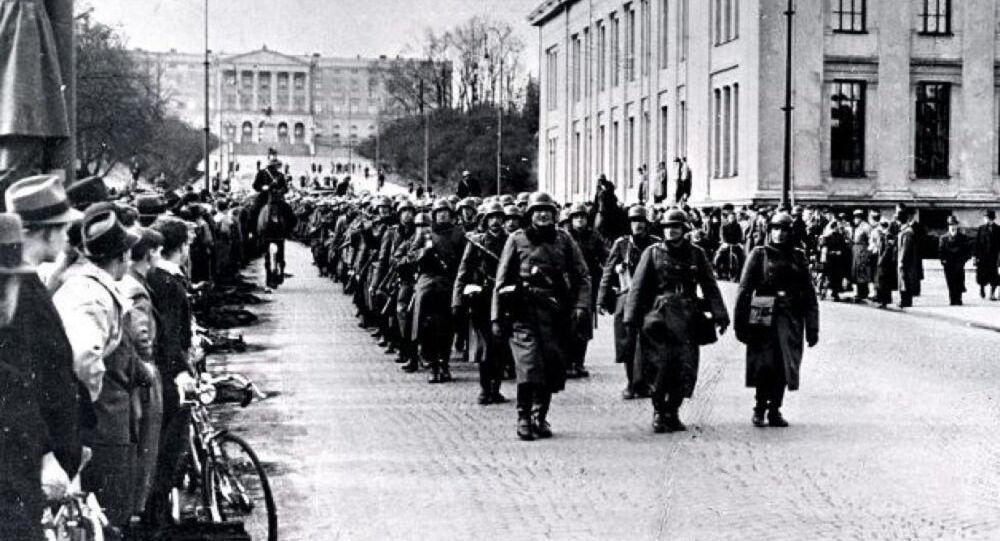 Soldados alemães marchando em Oslo, 9 de abril de 1940