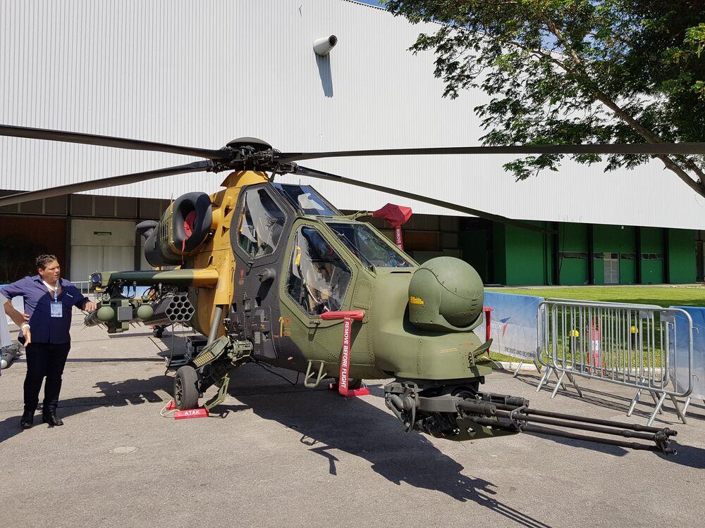 Helicóptero militar T129 Atak, da empresa Turkish Aerospace
