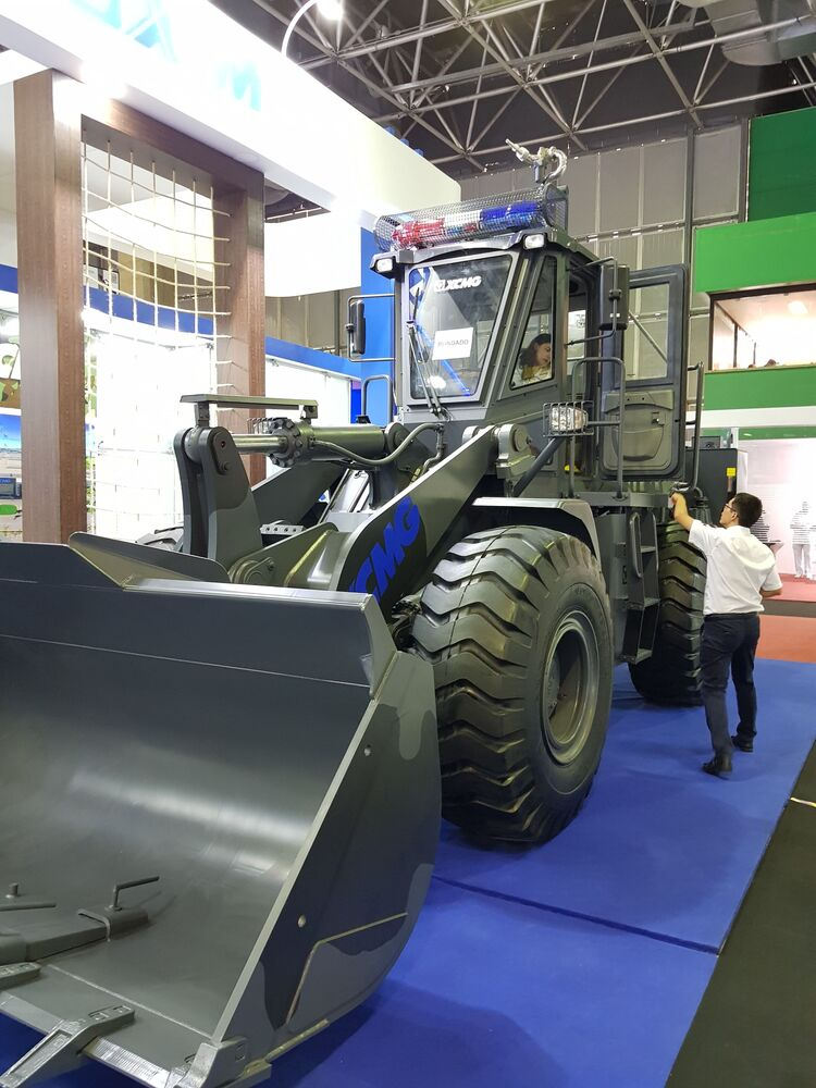 Máquina de desobstrução produzida pela Indústria Militar de Colômbia