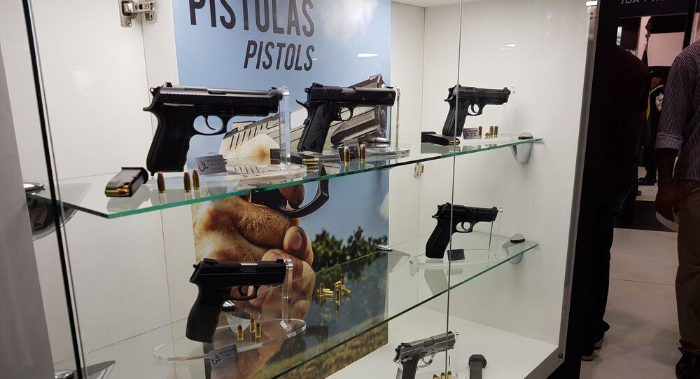 Lançamentos de pistolas foram uma tônica nos estandes das principais empresas de armas na LAAD 2019