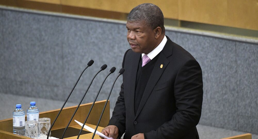 O presidente de Angola, João Lourenço, durante a sessão plenária da Duma de Estado (câmara baixa do Parlamento russo), em 3 de abril