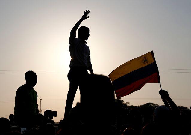 Líder oposicionista venezuelano Juan Guaidó, durante comício em San Mateo, Venezuela, em 22 de março de 2019