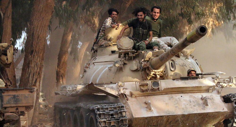 Soldados do Exército Nacional da Líbia (LNA) comandado pelo Khalifa Haftar