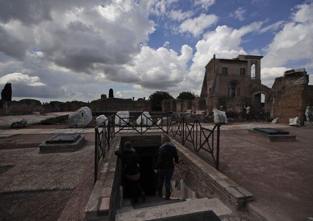 Domus Transitoria com 2.000 anos de idade localizado na colina do Palatino