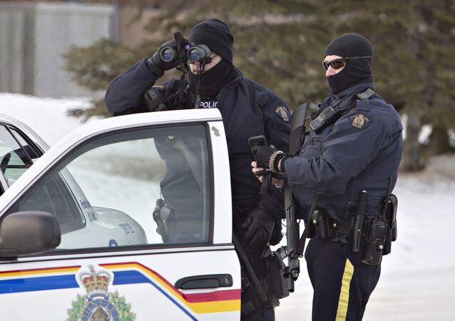 Agentes da polícia canadense (arquivo)