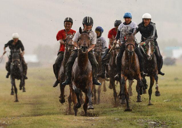 Corrida de cavalos, também um afazer tradicional Telenguita
