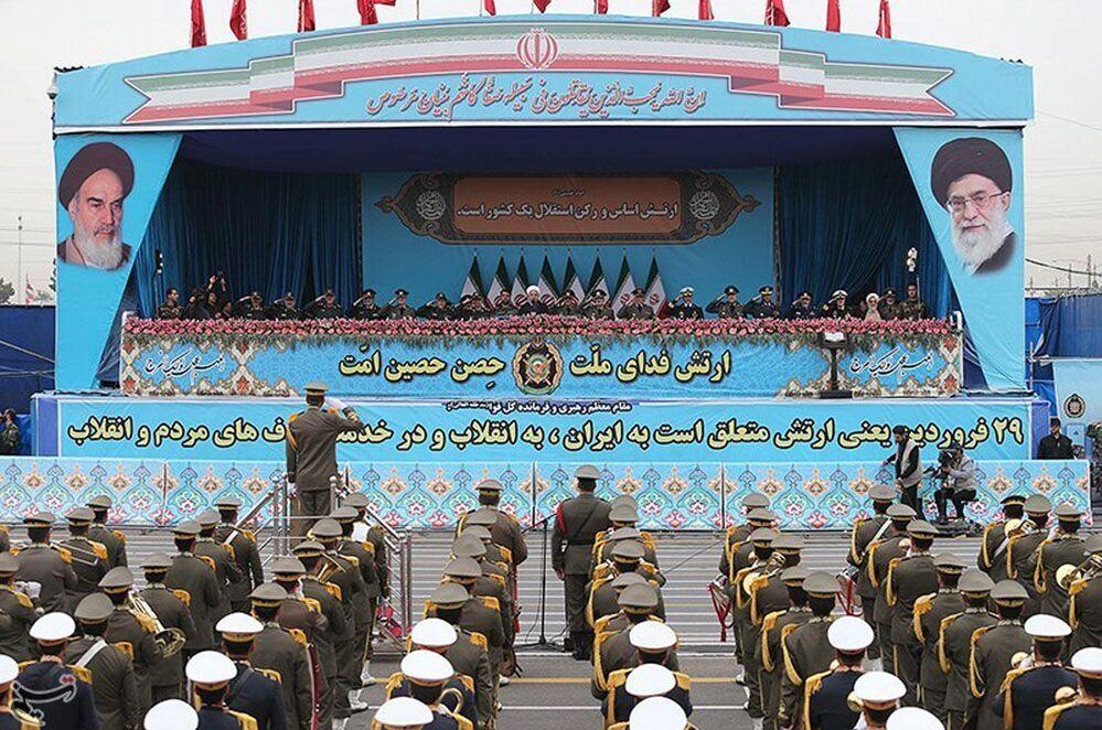 O Dia Nacional do Exército do Irã é celebrado desde 1979, ano da vitória da Revolução Islâmica