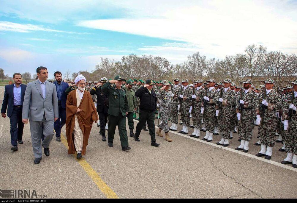 Deve-se notar que o Exército da República Islâmica do Irã e o Corpo de Guardiões da Revolução Islâmica são organizações independentes, não estão ligadas entre si