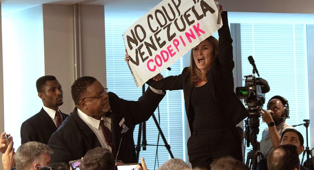 Co-diretor nacional da Code Pink, Ariel Gold