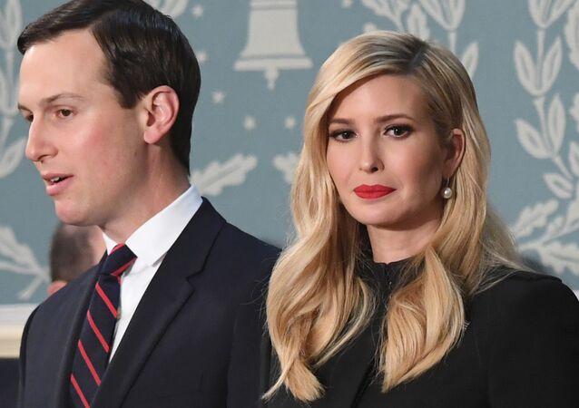 Conselheira Sênior do Presidente, Ivanka Trump e o marido dela, Conselheiro Sênior do Presidente, Jared Kushner.
