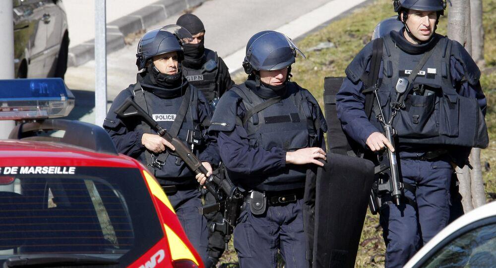 Policiais em Marselha, sul da França