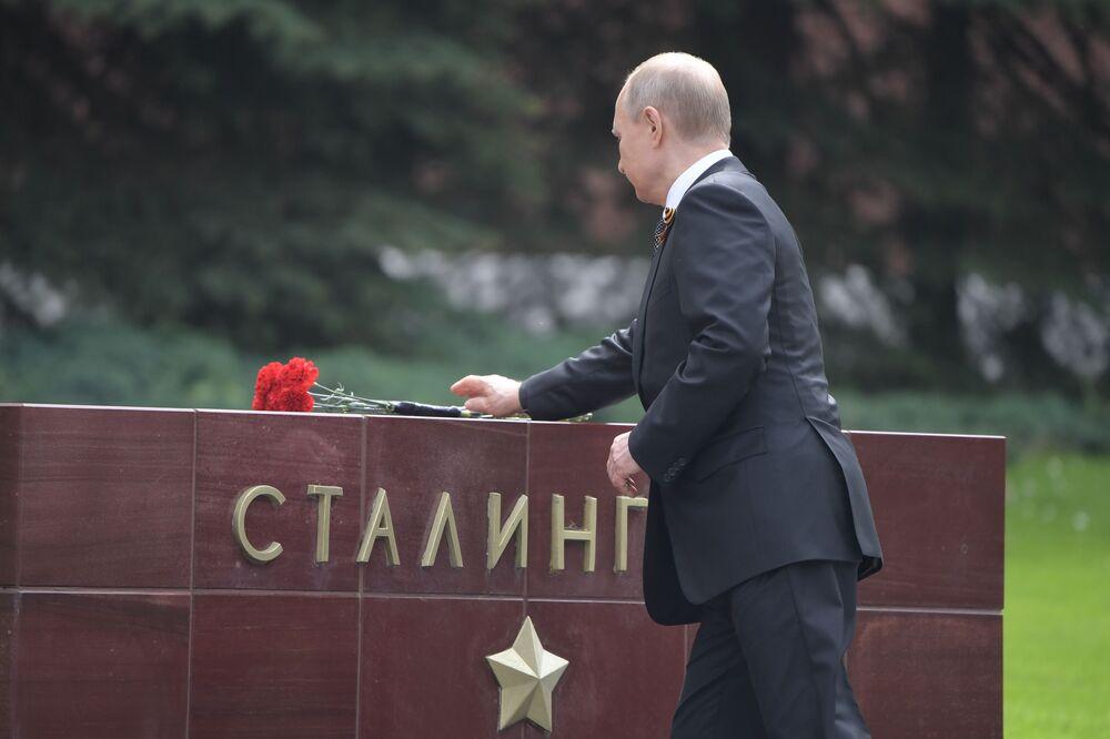 Presidente russo, Vladimir Putin, homenageia Soldado Desconhecido