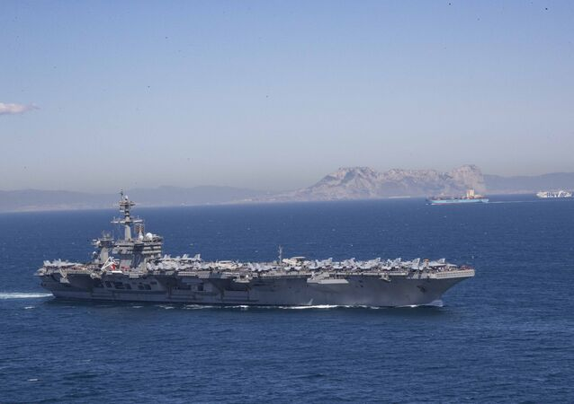 Porta-aviões USS Abraham Lincoln (CVN 72) (imagen referencial)