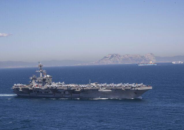 Porta-aviões USS Abraham Lincoln (CVN 72)