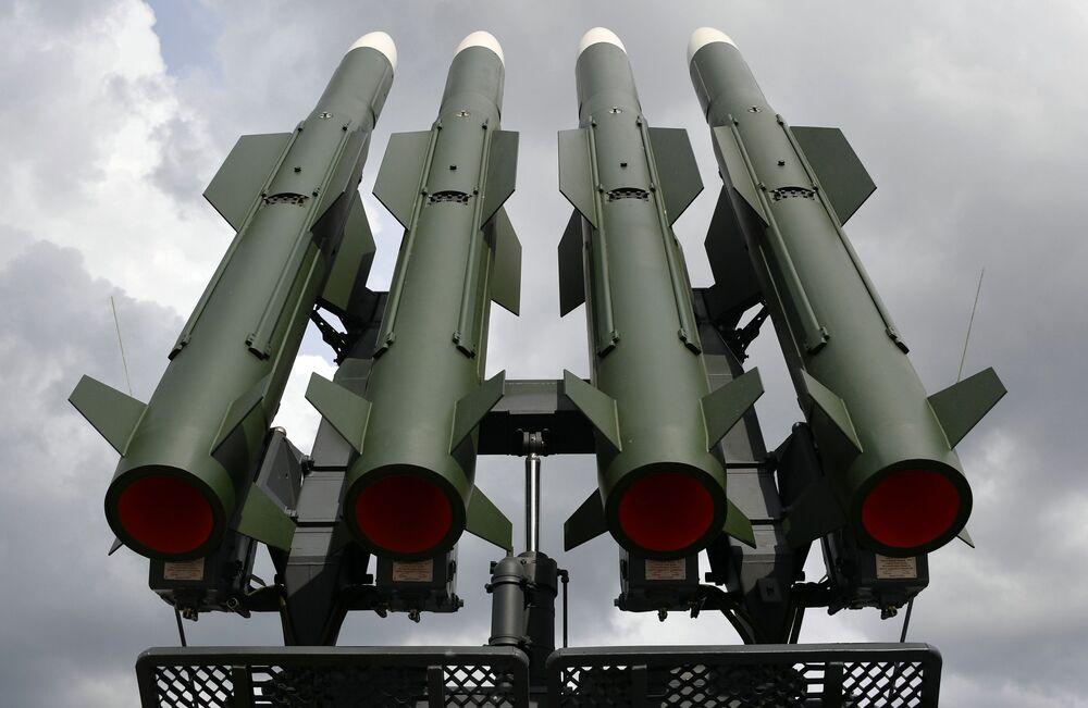 Sistema da defesa antiaérea Buk-M2 exposto na MILEX 2019, em Minsk