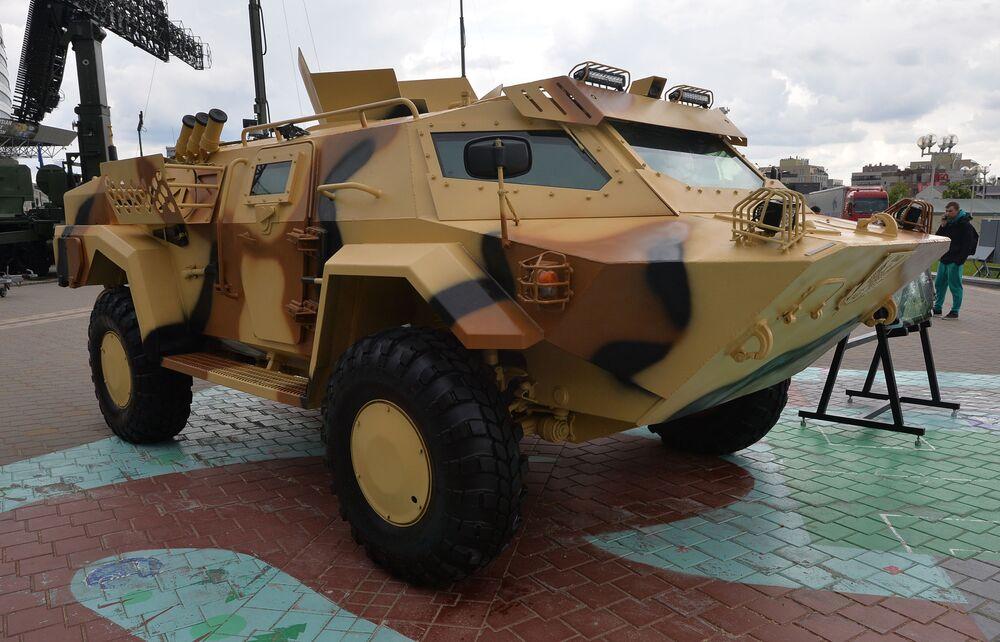 Veiculo blindado Kaiman na exposição internacional de armamento e equipamento militar MILEX 2019, em Minsk