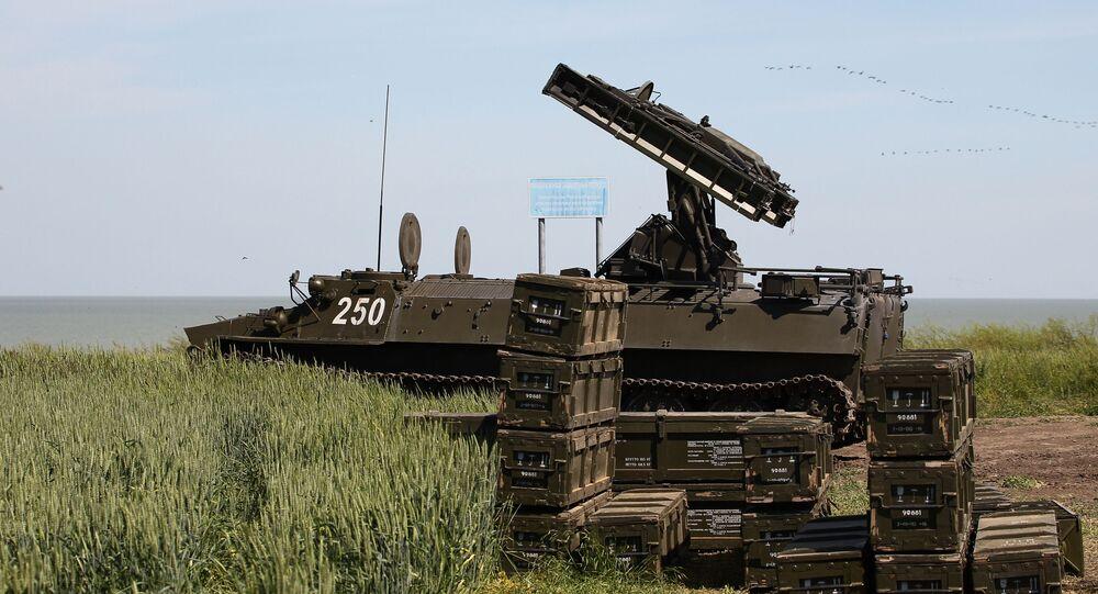 Sistema de defesa antiaérea Strela-10M3 nas competições militares Céu Limpo 2019