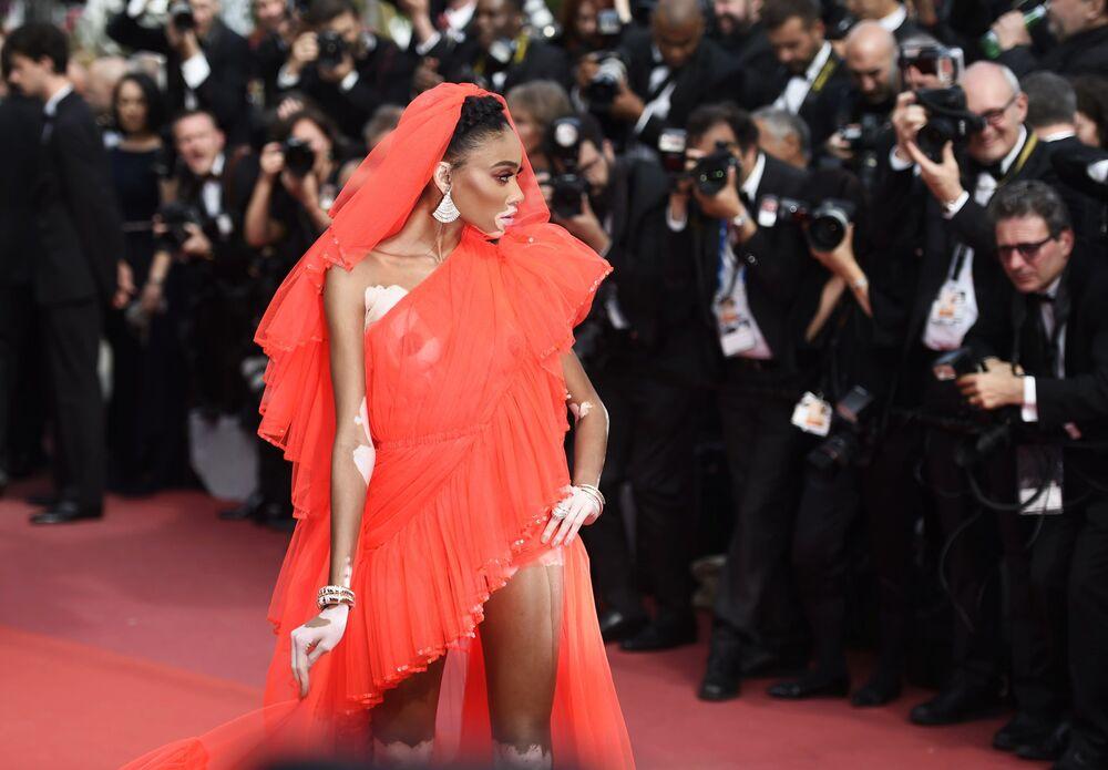 Modelo canadense Winnie Harlow no tapete vermelho durante o 72º Festival de Cannes
