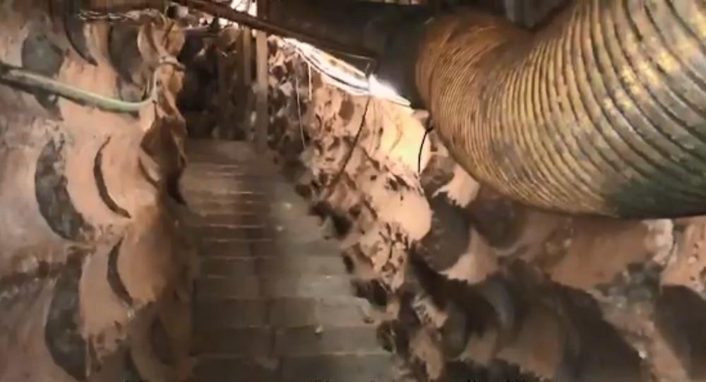 Screenshot de um vídeo das Forças de Defesa de Israel mostrando interior de túnel do Hezbollah sob a Linha Azul que separa Israel do Líbano