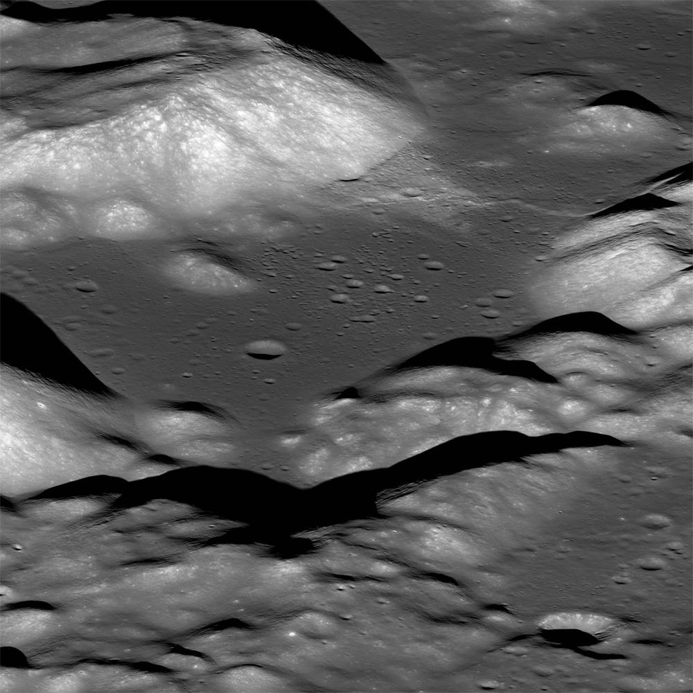 Vale lunar Taurus-Littrow fotografado pelo Orbitador de Reconhecimento Lunar da NASA. Pela primeira vez, o vale foi explorado pela missão Apollo 17