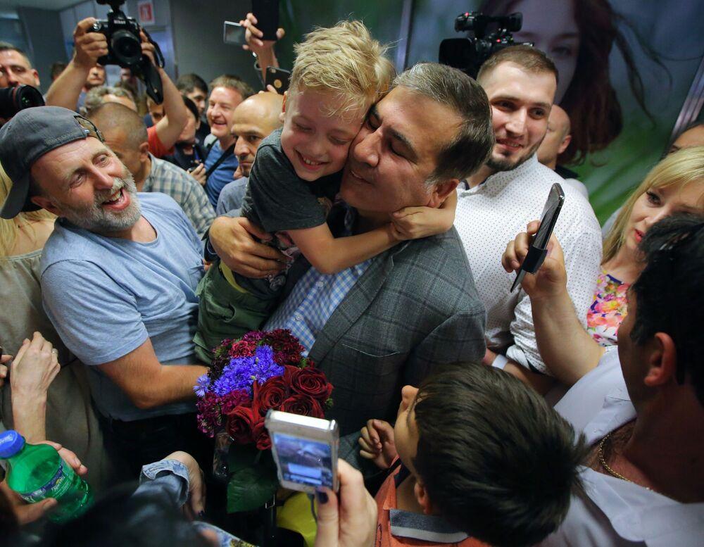 Ex-presidente da Geórgia e ex-governador da região ucraniana de Odessa, Mikhail Saakashvili à chegada no Aeroporto Internacional de Kiev-Boryspol