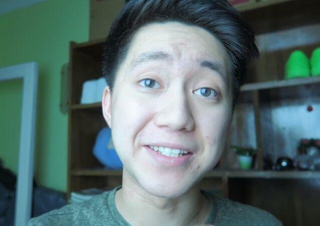 Youtuber chinês ReSet em vídeo de fevereiro de 2018