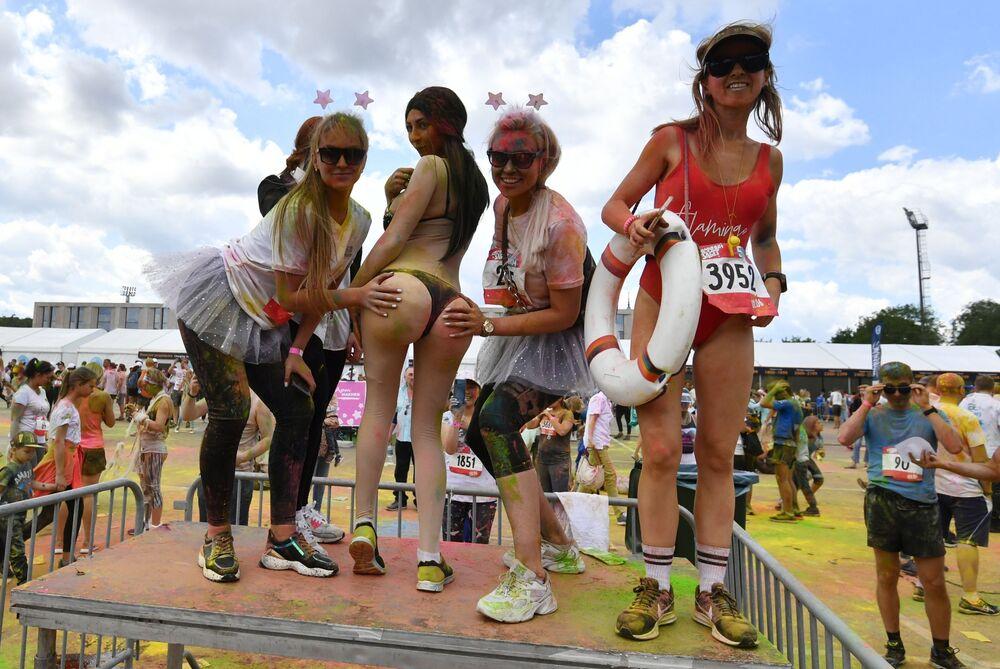 Participantes da corrida em torno do Complexo Olímpico Luzhniki em Moscou, na Rússia