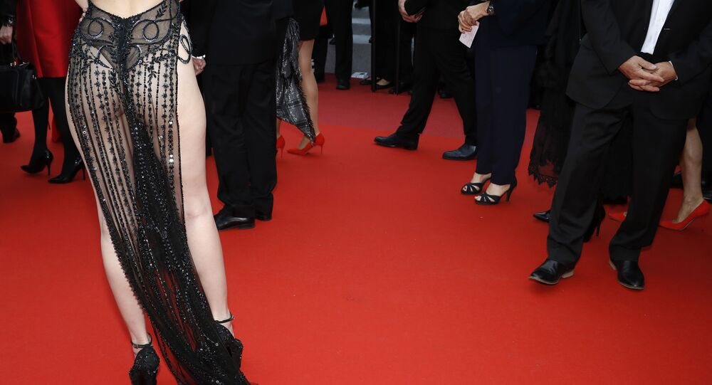 72.ª edição do Festival de Cannes, foto de Ngoc Trinh posando na passadeira vermelha
