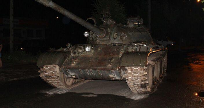 T-55 invade ruas de cidade polonesa