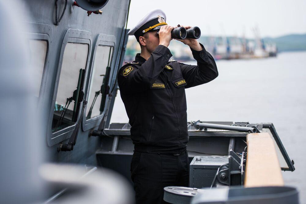 Vice-comandante da corveta Sovershenny, capitão Anatoly Lobastov