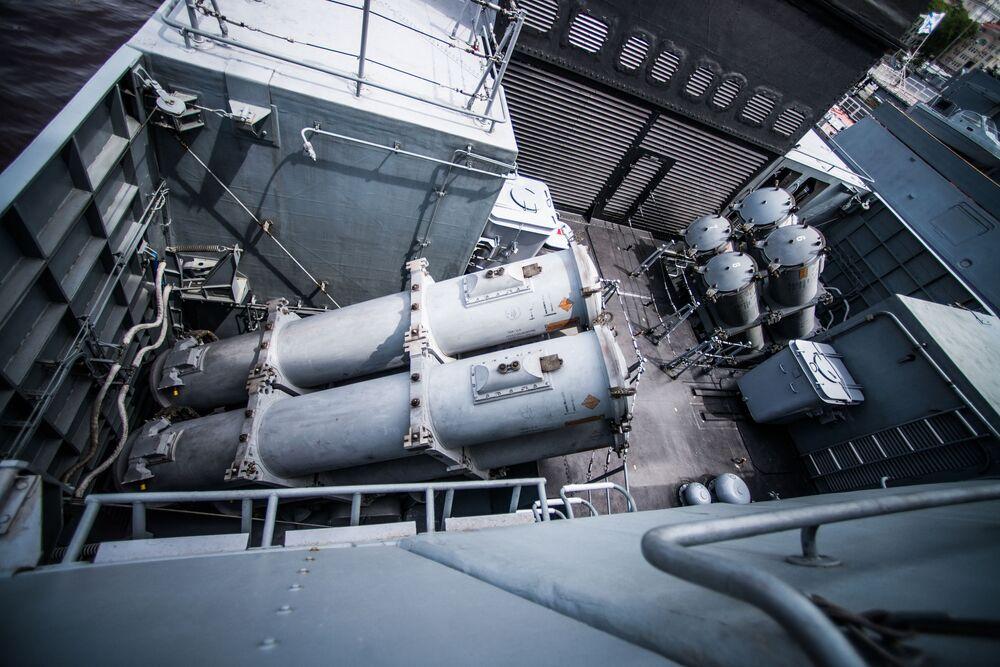 Lançadores do sistema de mísseis Uran, instalado a bordo da corveta Sovershenny