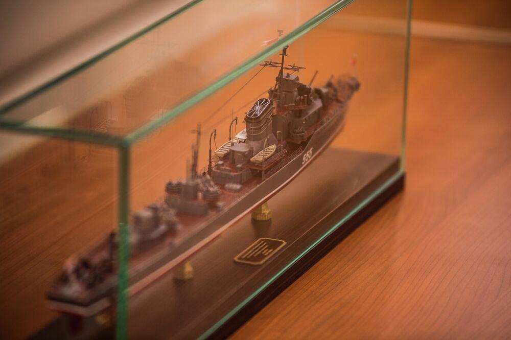 Modelo à escala do navio – um presente para a tripulação da corveta