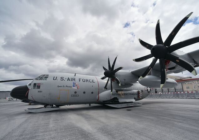 Avião de transporte Lockheed C-130 Hercules