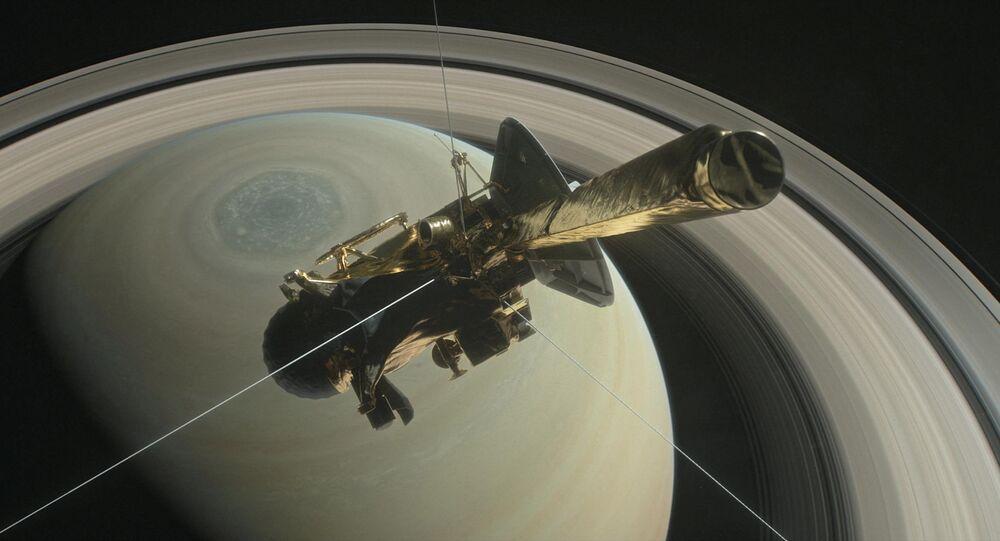 Sonda Cassini acima do planeta Saturno (foto de arquivo)