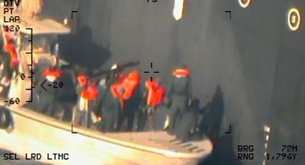 Imagem alegadamente ligada aos ataques a dois petroleiros no golfo de Omã