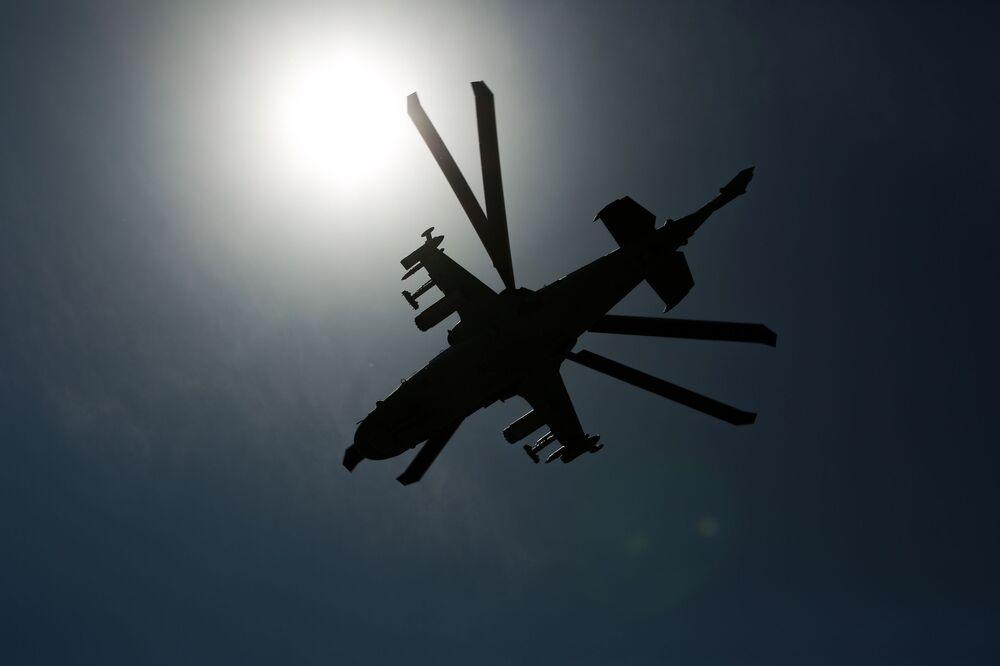 Helicóptero de ataque russo Ka-52 Alligator participa das manobras da aviação tático-operacional