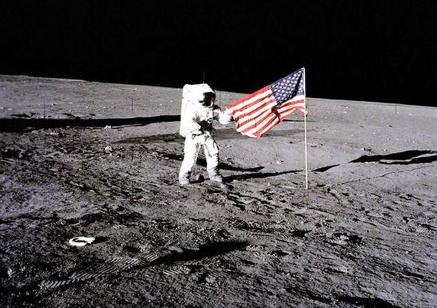 Apollo 12 na Lua