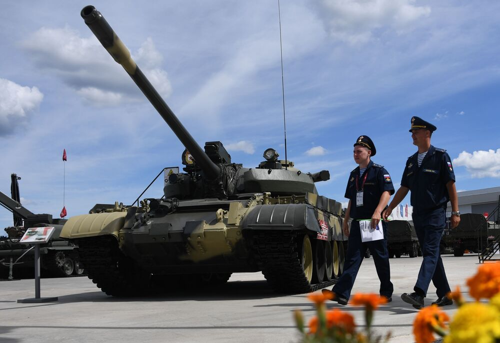 Tanque de médio porte T-55A no fórum internacional técnico-militar EXÉRCITO 2019