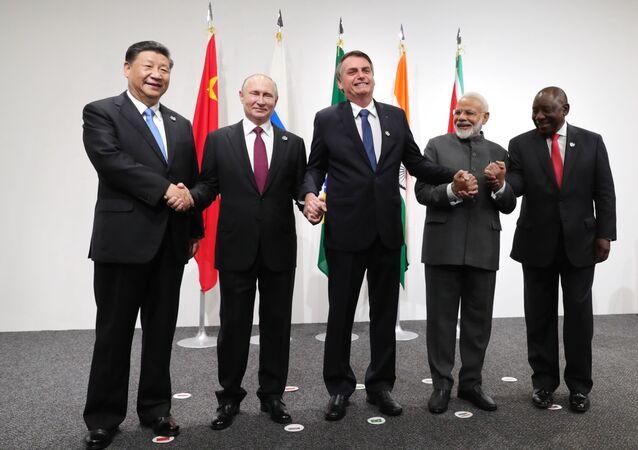 Todos os cinco presidentes do BRICS se encontram às vésperas da cúpula do G20, Osaka, Japão