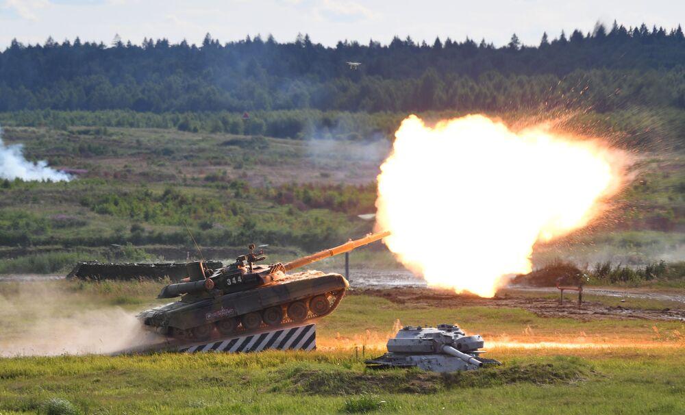 Tanque russo T-90A no fórum militar internacional EXÉRCITO 2019