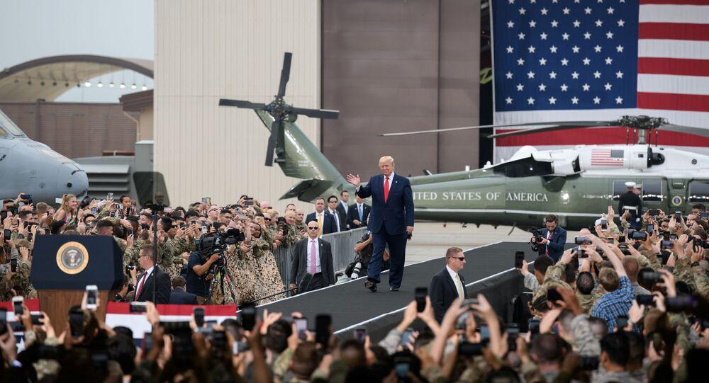Presidente dos EUA, Donald Trump, visita a base aérea de Osan, perto de Seul, 30 de junho de 2019