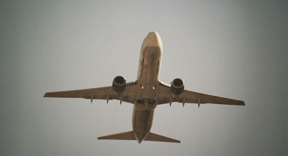 Boeing 737-400 (imagem referencial)
