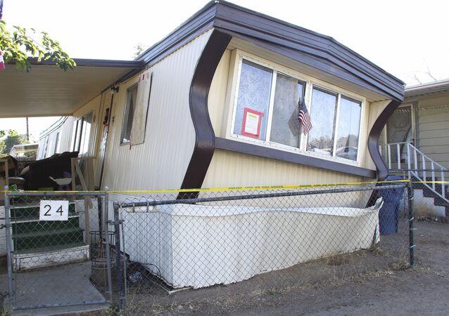 Trailer em Ridgecrest danificado pelo terremoto mais forte dos últimos 25 anos na Califórnia (arquivo)