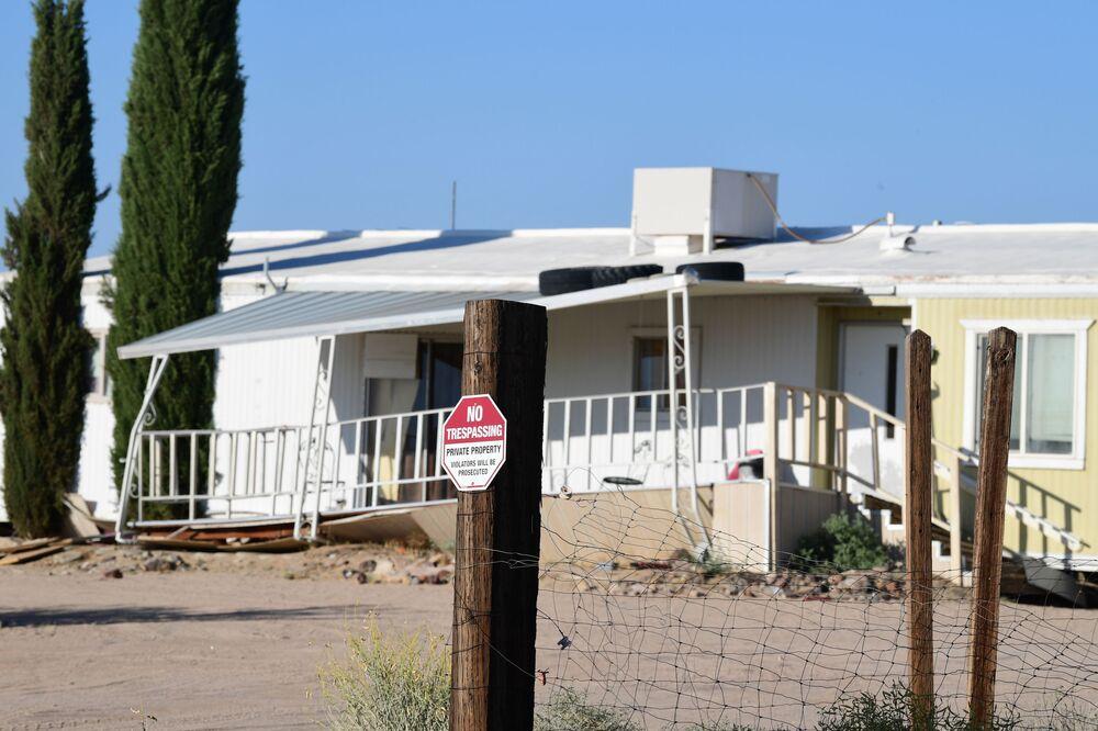 Casa em Ridgecrest danificada por abalos sísmicos