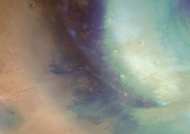 Imagem de tempestade de areia espiral em Marte tirada pela sonda Mars Express