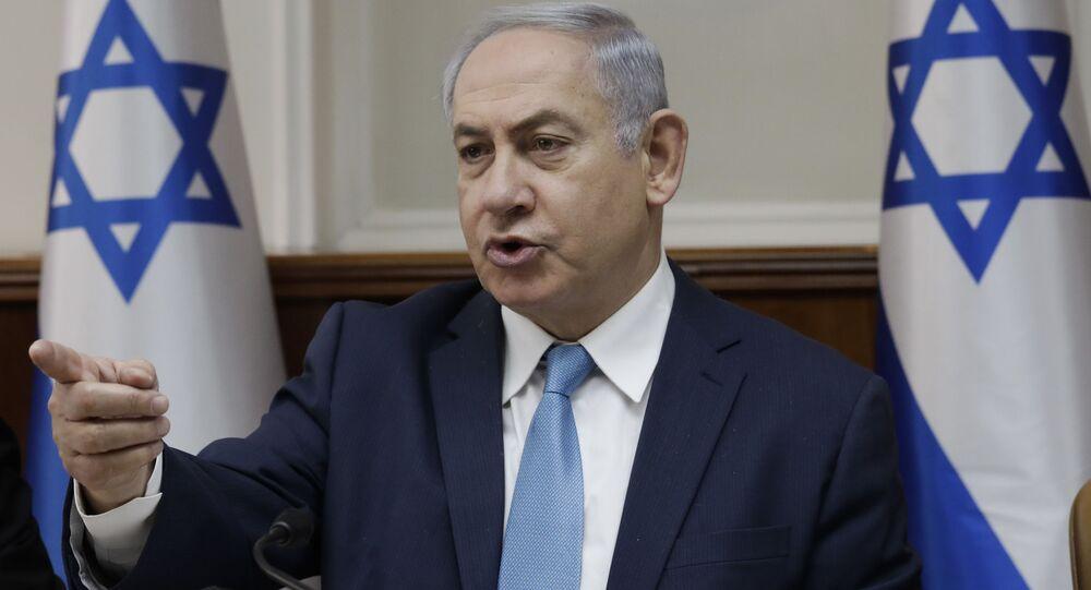 Primeiro-ministro israelense, Benjamin Netanyahu, fala durante reunião de gabinete em Jerusalém (arquivo)