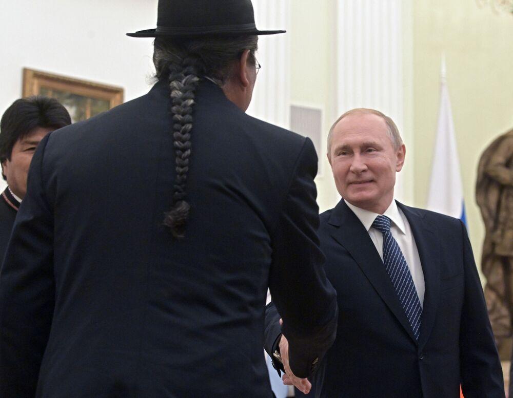 Presidente russo Vladimir Putin durante o encontro com presidente da Bolívia, Evo Morales