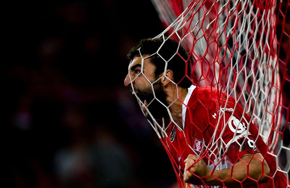 Jogador do Spartak celebra o gol marcado contra o Sochi